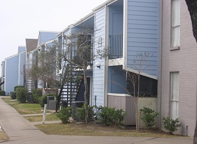 Waterfall Park Apartments Houston TX