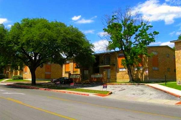 Westchester Apartments Balcones Heights TX
