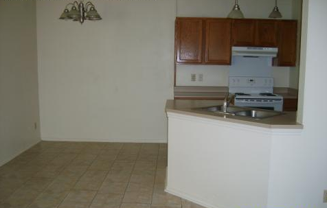 Dining at Listing #141337