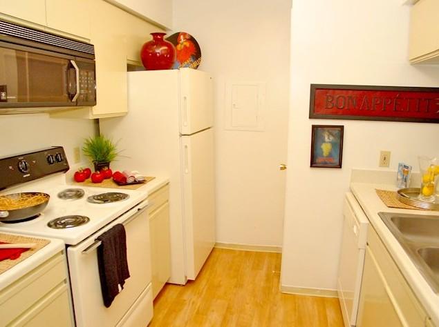 Kitchen at Listing #138533