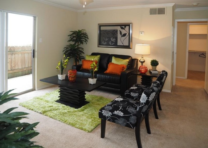 Living at Listing #138305