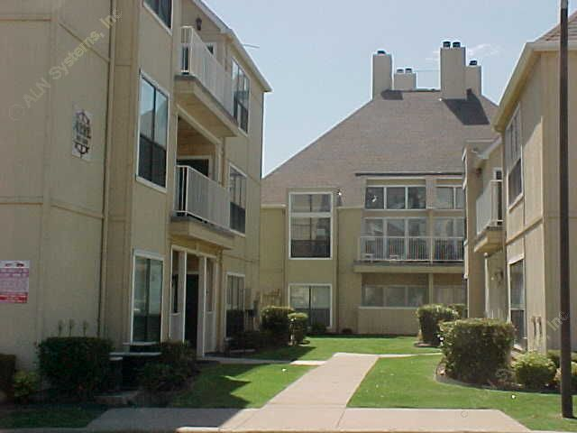 Exterior 5 at Listing #137562