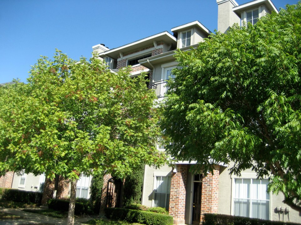 Exterior at Listing #236628