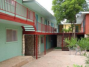 Warwick Apartments Austin TX