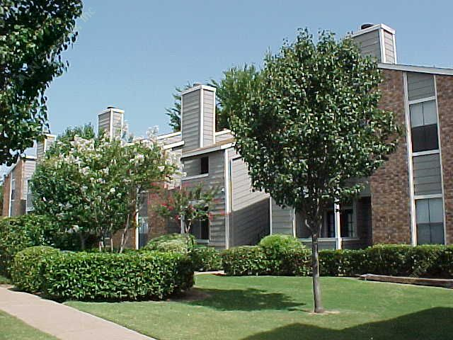 Whispering Hollow Apartments Dallas TX