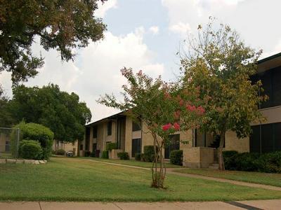 Spruce Square Apartments Dallas TX