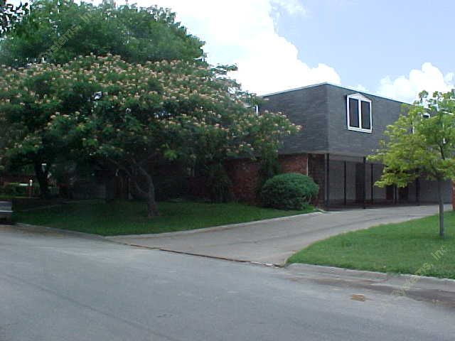Exterior 3 at Listing #137078