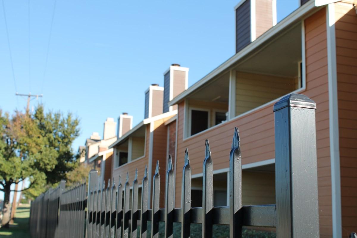 Wimbledon Court Apartments Arlington, TX