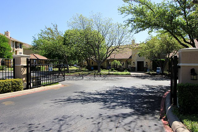 Exterior at Listing #140699
