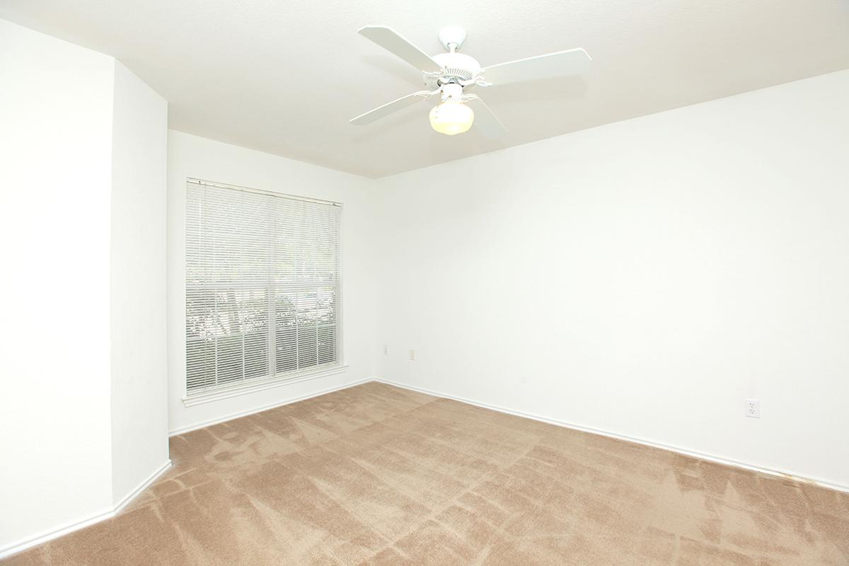 Bedroom at Listing #136640