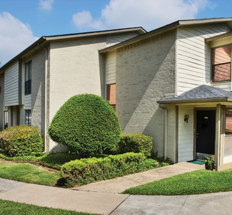 Exterior at Listing #136395