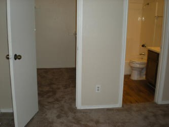 Bedroom at Listing #140460