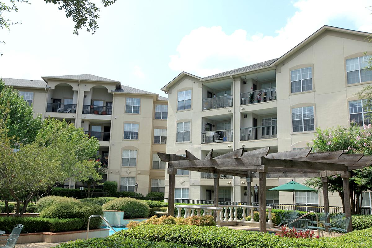 Waterford at Goldmark Apartments Dallas TX