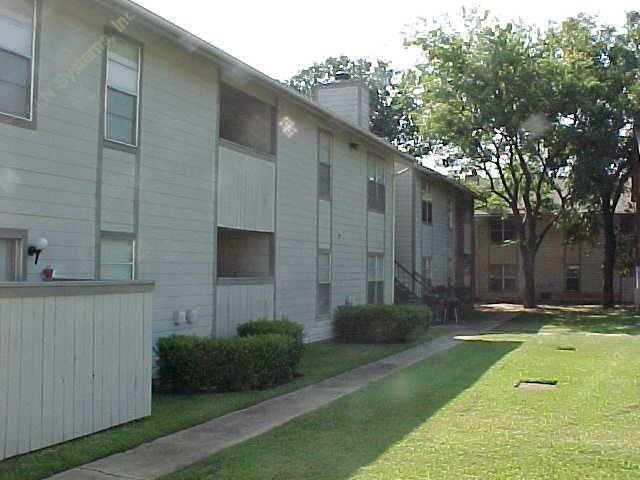 North Oak Apartments Irving TX