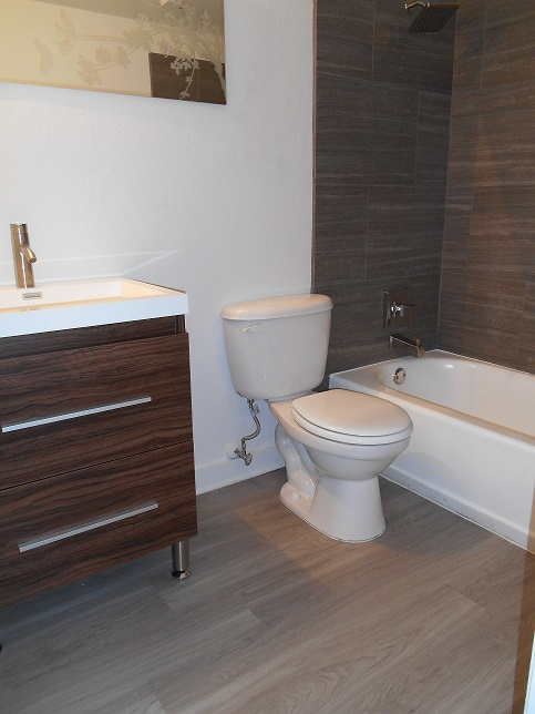 Bathroom at Listing #140529