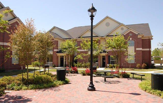 Kenton Apartments Alvin, TX