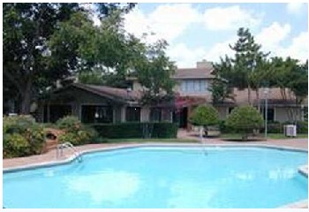 Pool at Listing #140383