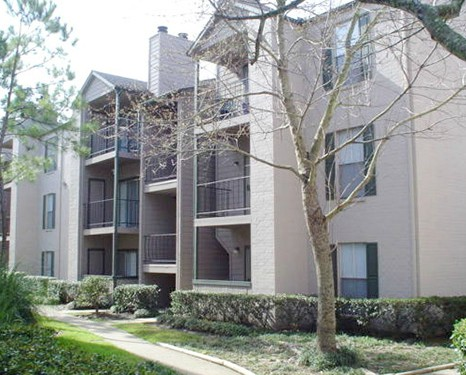 Exterior 3 at Listing #138612