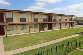 Holly Park Apartments Dallas TX
