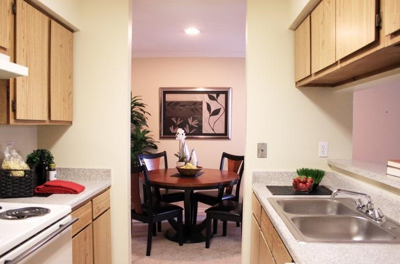 Dining at Listing #138305