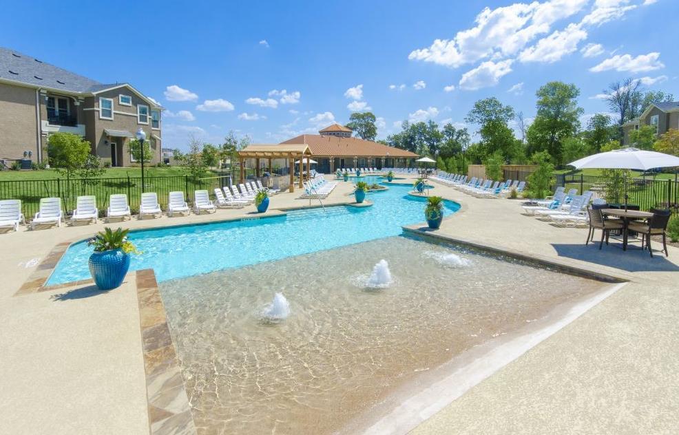 Mansions at Lakeline Apartments , TX