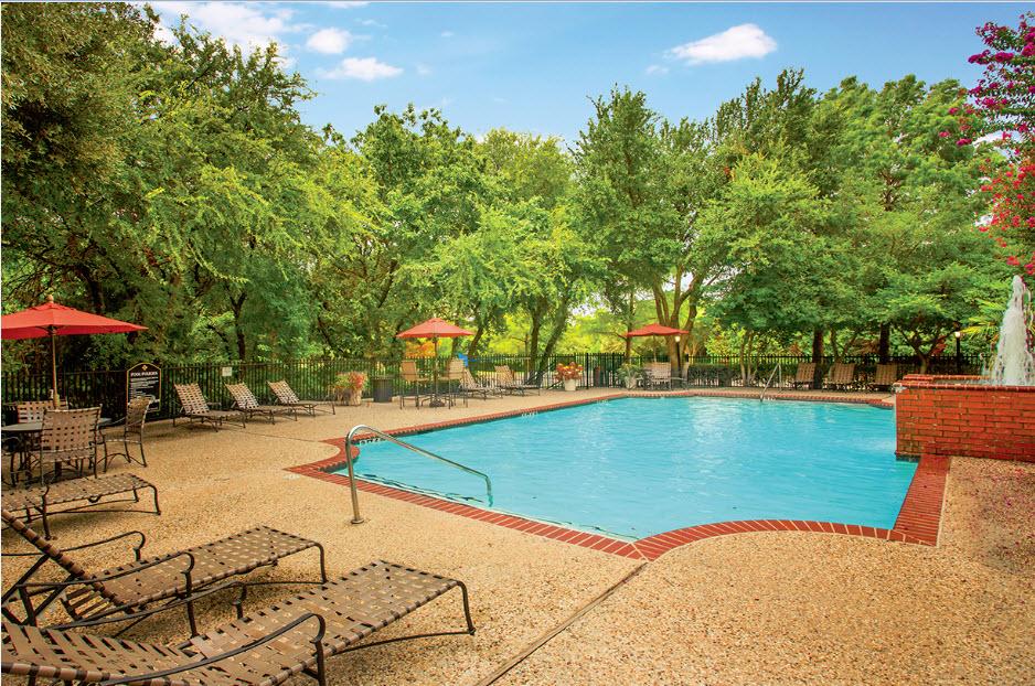 Pool at Listing #137573