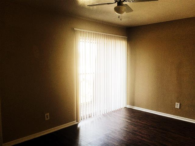 Bedroom at Listing #137200