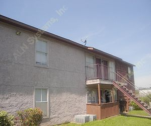Exterior 2 at Listing #139874