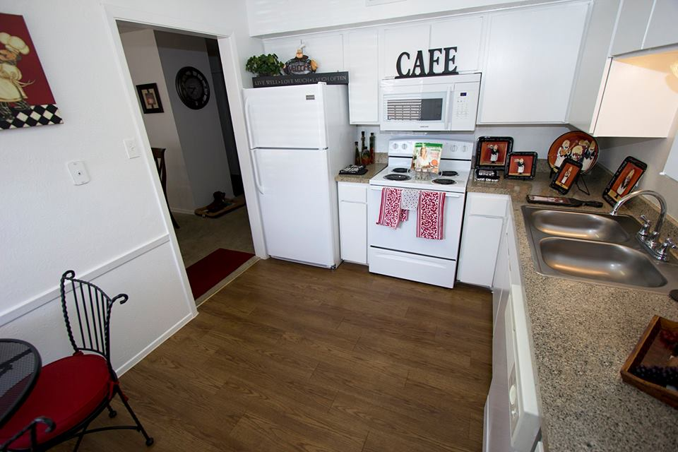 Kitchen at Listing #137260