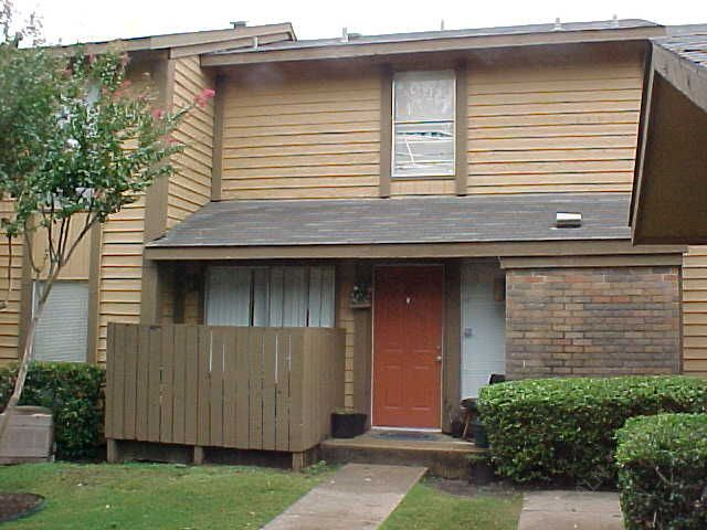 Exterior 5 at Listing #135761