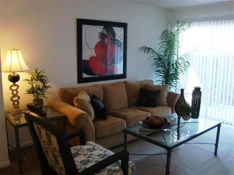 Living Area at Listing #138310