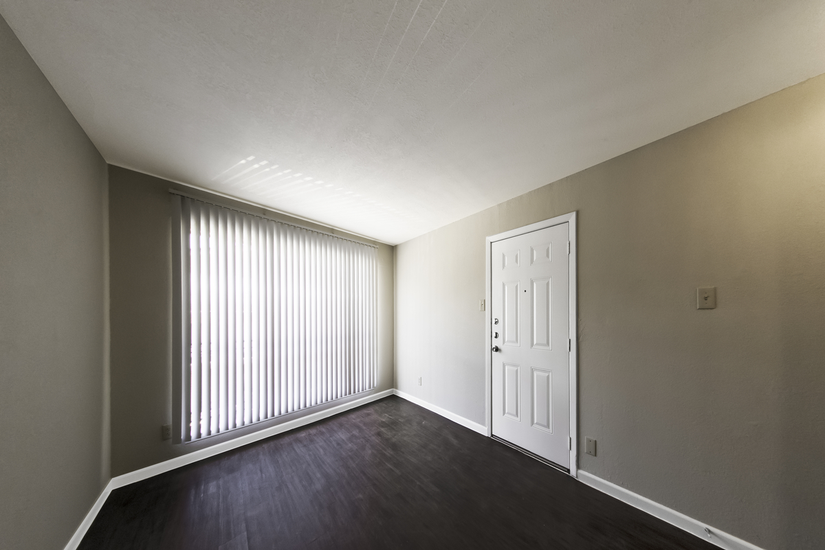 Living at Listing #137333