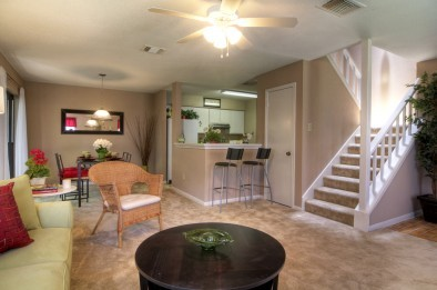 Living at Listing #139912