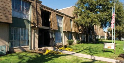Villas Del Lago Apartments Dallas, TX