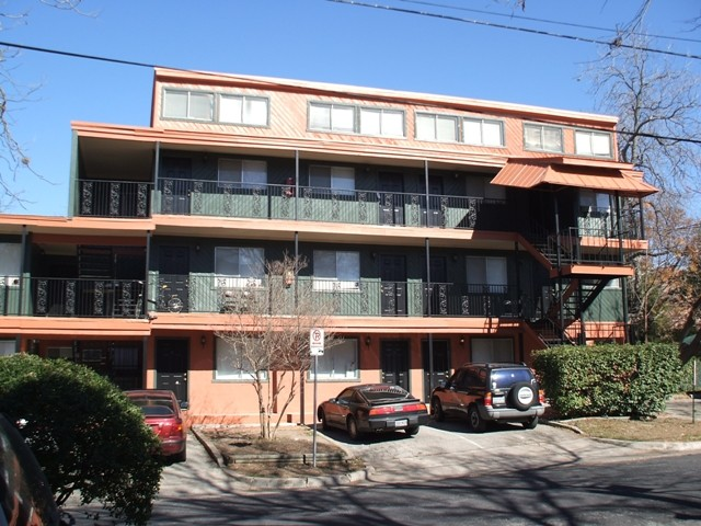 Westwood Place Apartments Austin TX
