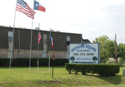 Highland Square Apartments Alvin, TX