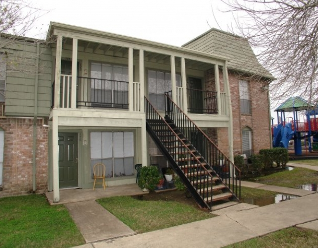 Exterior at Listing #214922