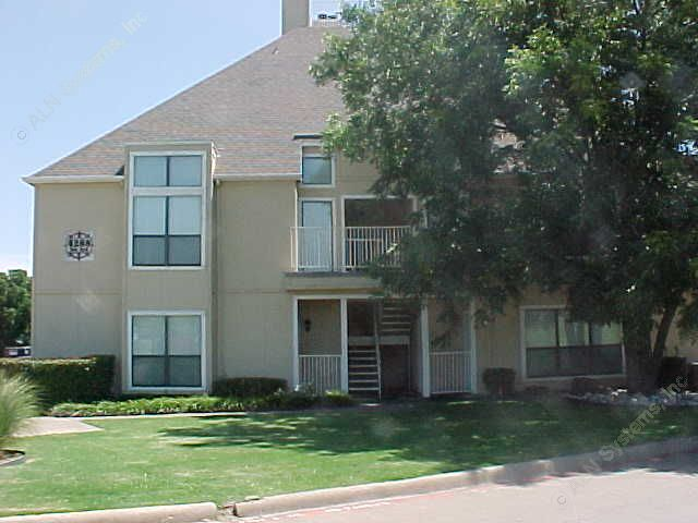 Exterior 3 at Listing #137562