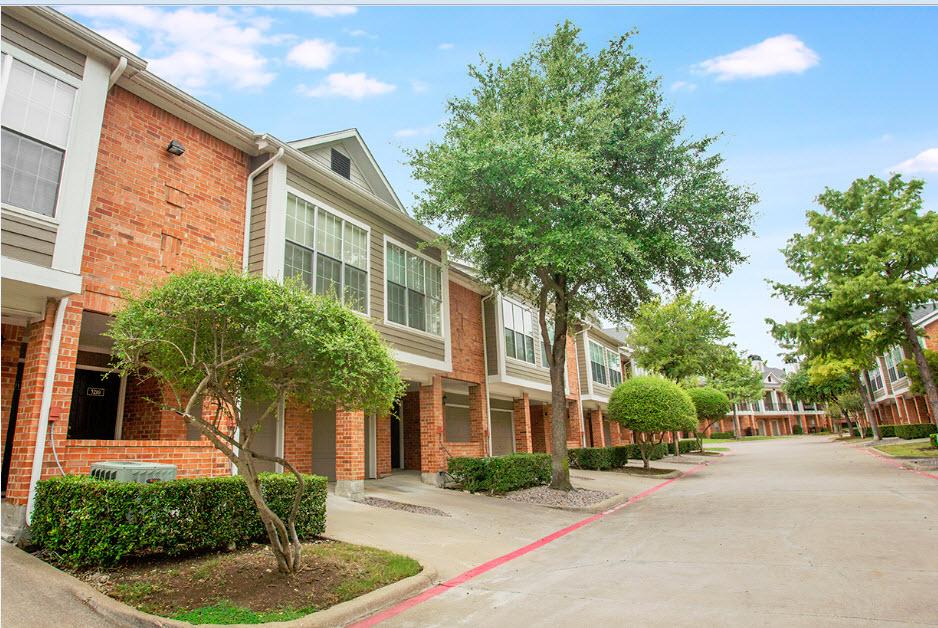 Retreat at Spring Park Apartments Garland TX