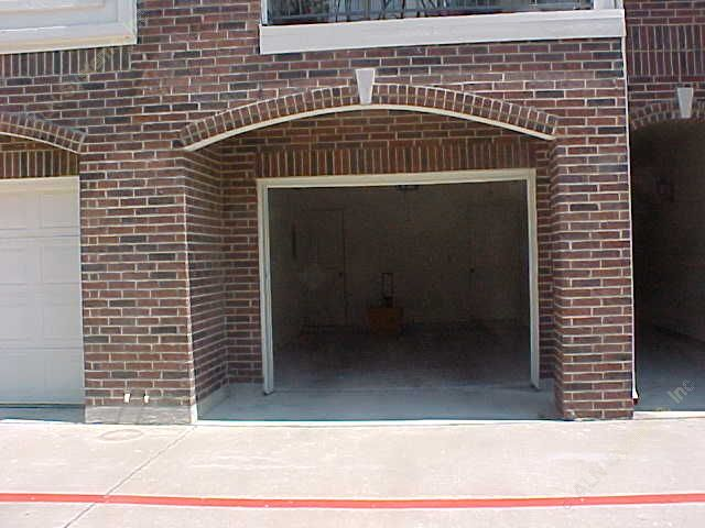 Garage at Listing #137645