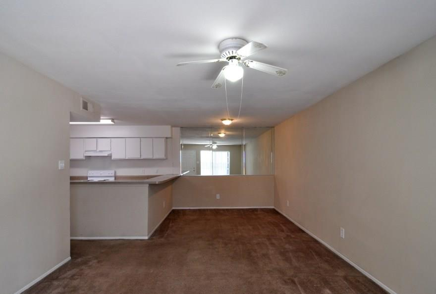 Living at Listing #139869