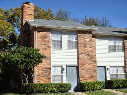 Exterior 5 at Listing #136338