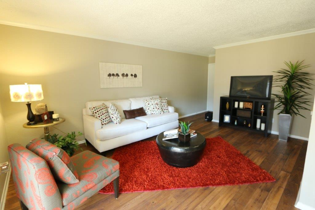 Living at Listing #136756