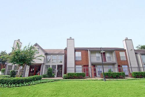 Richmond Chase Apartments Houston TX