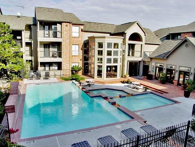 Pool at Listing #138533