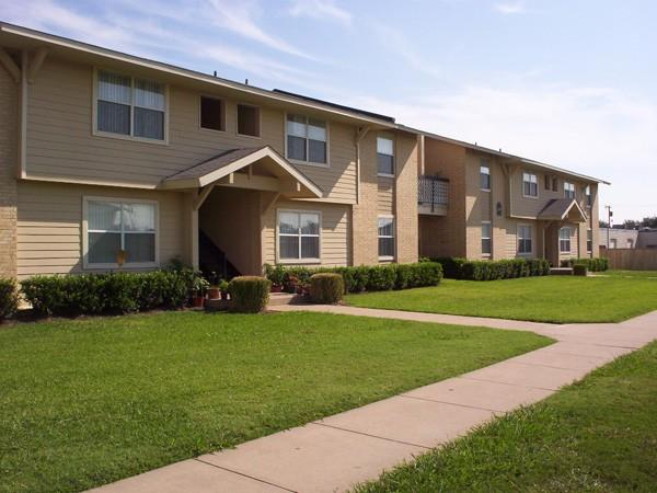 Legacy Pointe Apartments Garland TX