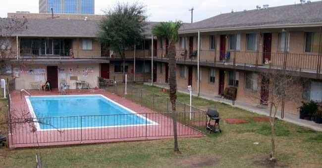 Pool at Listing #140884